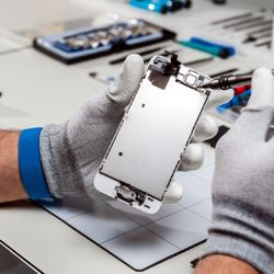 Melbourne iPhone Repair | AMT electronics - Best repair shop Melbourne Cbd